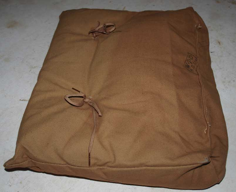 SOE Type Jump Suit cushion